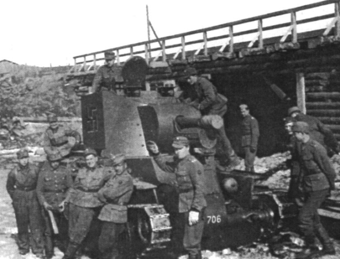 БТ-42 — финский штурмовой танк. Не лучшая модификация БТ-7