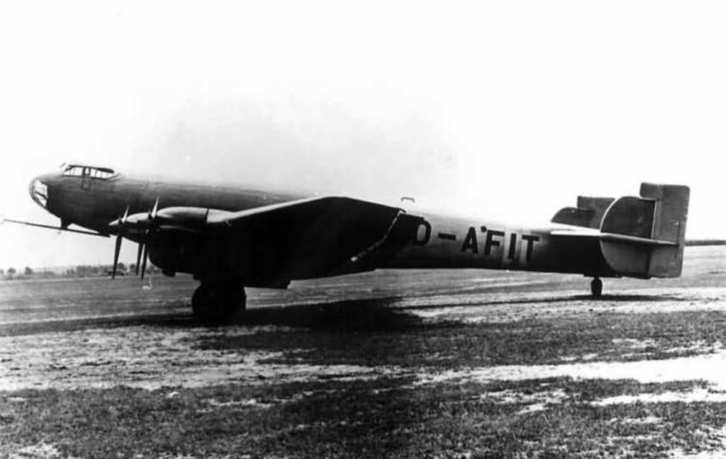 Первый опытный самолет Ju.89V1 (D-AFIT)